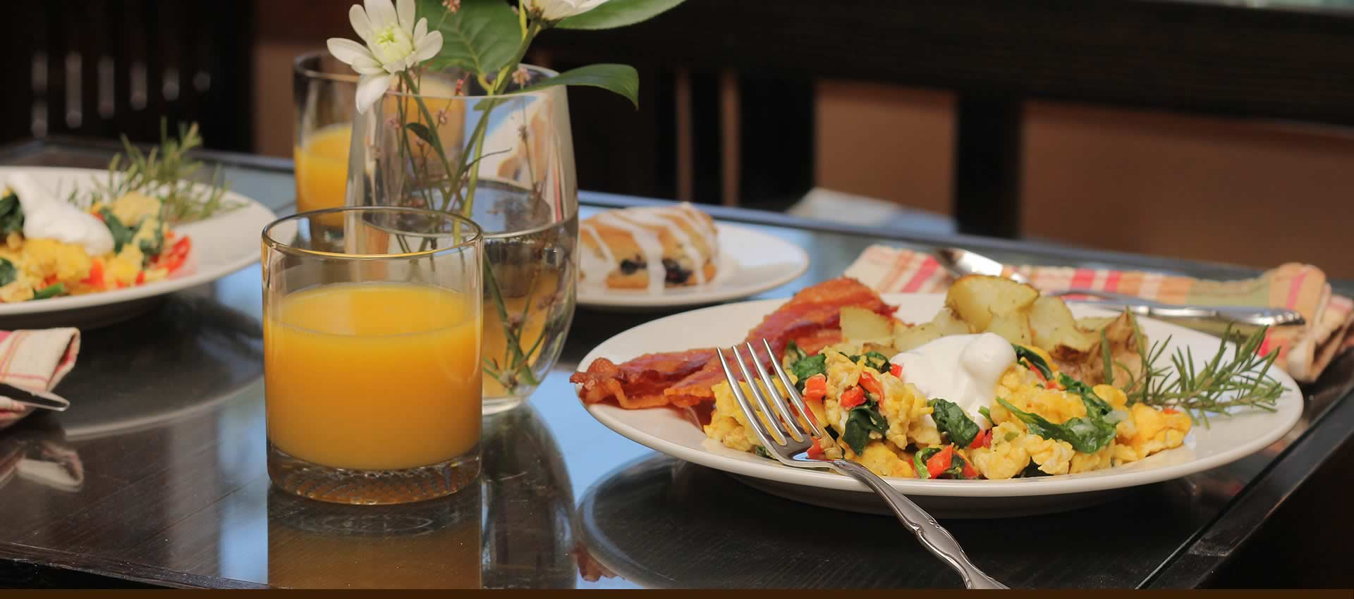 Grand-Idyllwild-breakfast1
